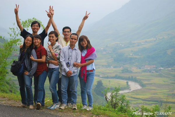 Finally the whole group had a photo together in the misty Sapa
