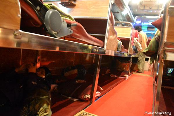 Bus-Hanoi-Vientiane-inside