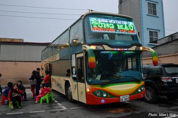 Bus-Hanoi-Vientiane