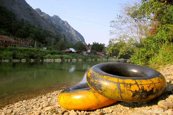 Go tubing on Nam Song River