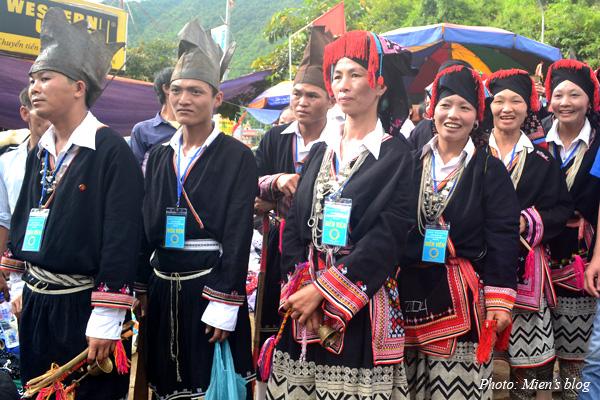 Moc-Chau-HMong-People-2