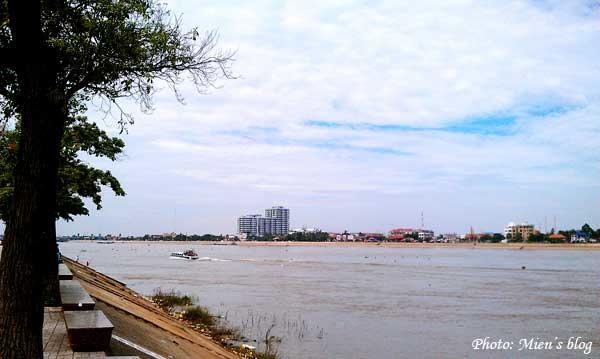 Walking along the Mekong River bank in Phnom Penh