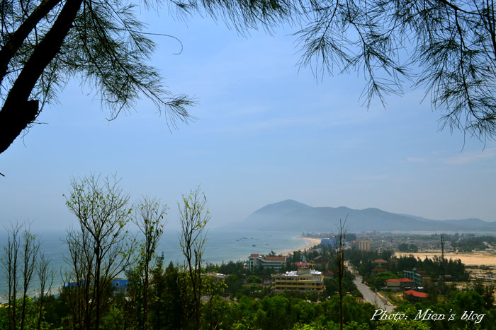 The view to the whole town of Thien Cam on the way to Thien Y Pagoda