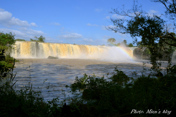 Buon-Ma-Thuot-Dray-Sap-Waterfalls-Mien-Blog